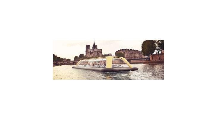 Sala de fitness plutitoare din Paris foloseste energie umana pentru a se deplasa