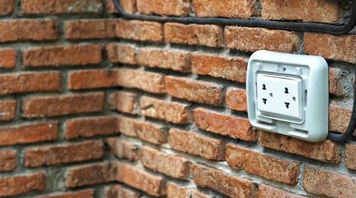 4 sfaturi care te vor ajuta sa-ti protejezi prizele din exteriorul casei