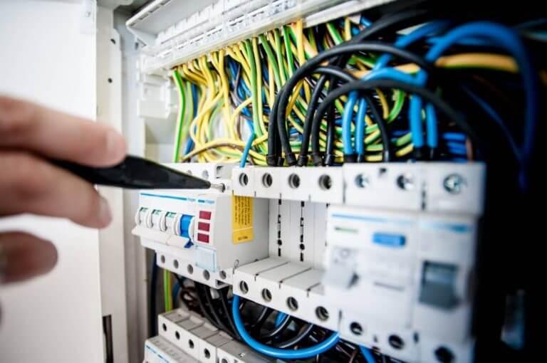 meseria de electrician